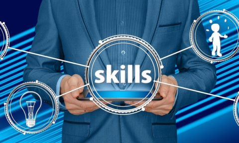 HR of the Future: 10 Skills You Should Have to Stay Competitive in 2022 (Infographic)